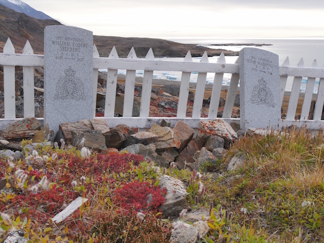 gravesite at Dundas Harbor