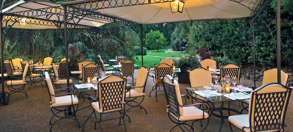 il palagio outdoor dining