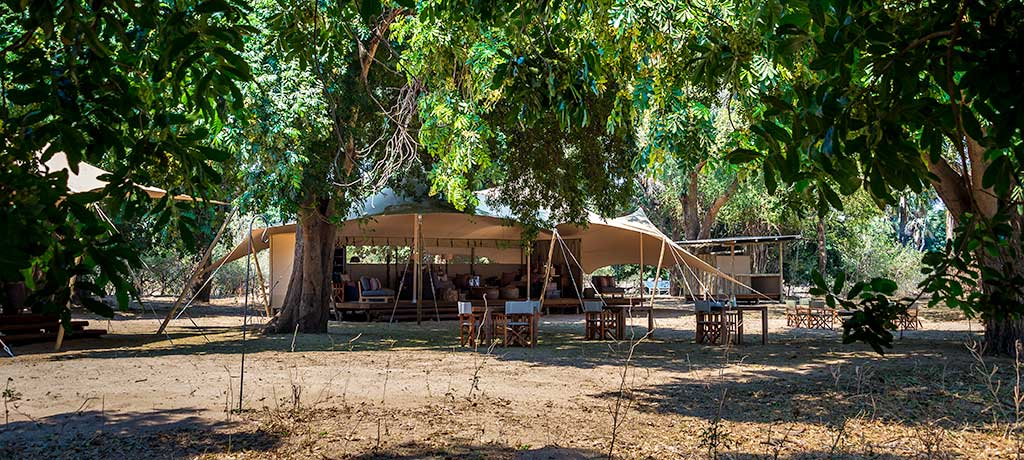africa zimbabwe mana pools national park little ruckomechi exterior