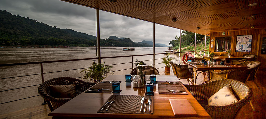 Asia Myanmar Irrawaddy River Pawdaw Kanee dining