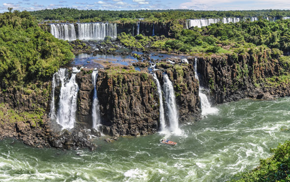 Brazil: Natural Wonders & Colonial Charms