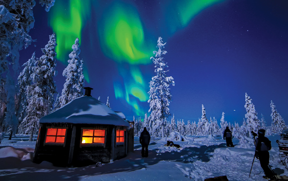 Europe-Lapland-Finland-Saariselka-Northern-Lights-2up