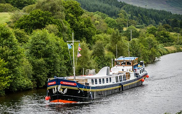 Europe Scottish Highlander Caledonian Canal Barge SR