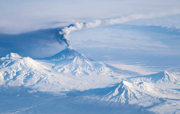 IE-Land-Fire-Ice-Bears-Kamchatka-Volcano-2