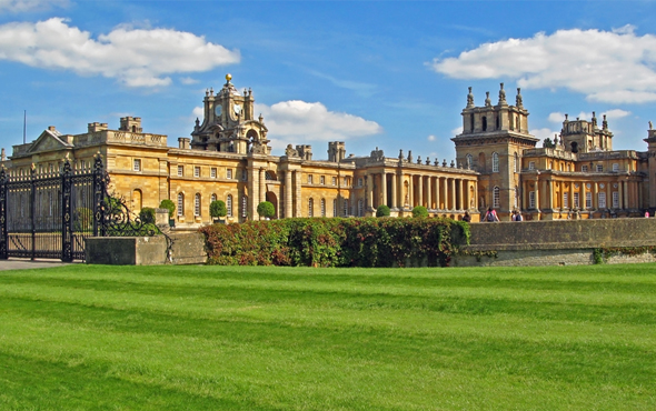 Britain's Great Stately Homes
