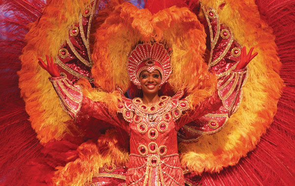 IE-Brazil-Carnivale-Cariocas-Dancer-2